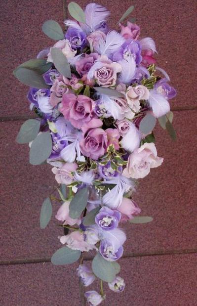 名古屋市千種区の花屋グラッシーのキャスケードブーケCa33