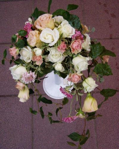 名古屋市千種区の花屋グラッシーのクレッセントブーケCr1