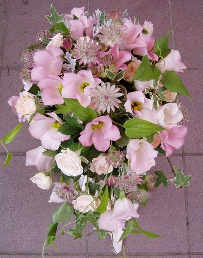 名古屋市千種区の花屋グラッシーのオーバルブーケO40