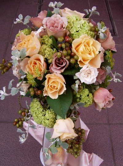 名古屋市千種区の花屋グラッシーのオーバルブーケO42