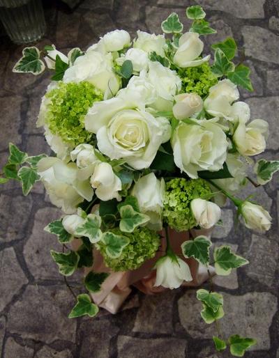 名古屋市千種区の花屋グラッシーのオーバルブーケO45