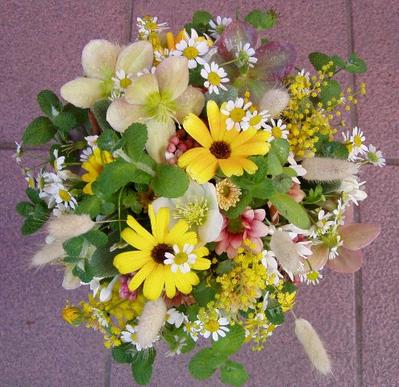 名古屋市千種区の花屋グラッシーのラウンドブーケR34