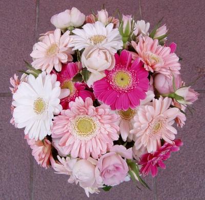 名古屋市千種区の花屋グラッシーのラウンドブーケR38
