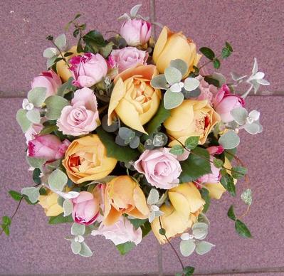 名古屋市千種区の花屋グラッシーのラウンドブーケR72