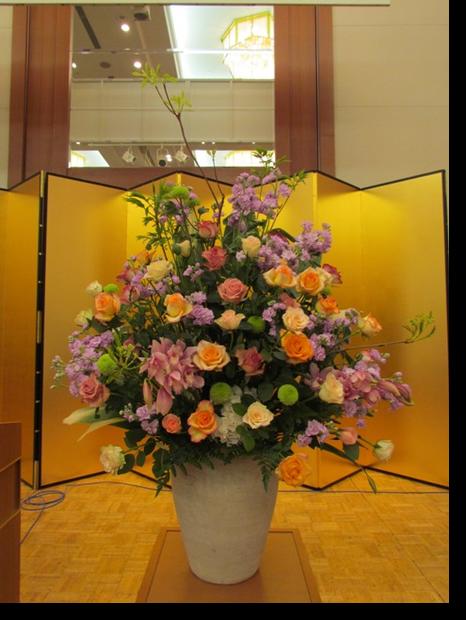 名古屋市千種区の花屋グラッシーの講演会演壇の装花hoshoC0110513