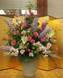 名古屋市千種区の花屋グラッシーの生けこみ